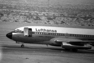 lufthansa-boeing-737-hijacked-to-somalia